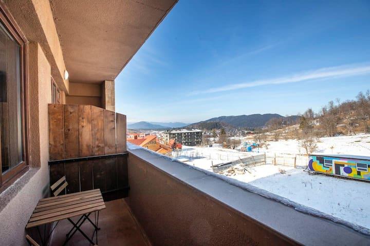 ✺1BR apt. w/ furnished balcony in K2 Complex✺