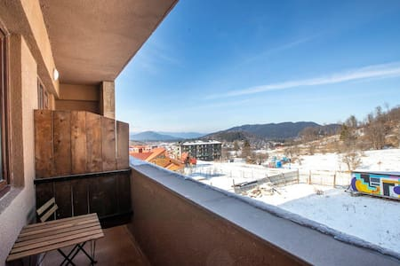 ✺1BR apt. w/ furnished balcony in K2 Complex✺