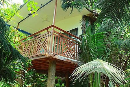 Chandy's Tree Home Villas @ Mararikulam - Mararikulam - Bed & Breakfast