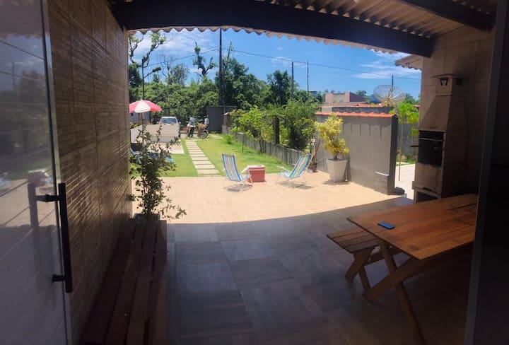 Linda casa a 350mts da Praia de Boraceia - São Sebastião