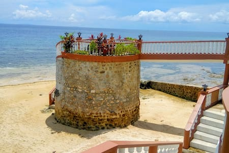 Manawa Beach in Alcoy,  Cebu - Alcoy - Huis