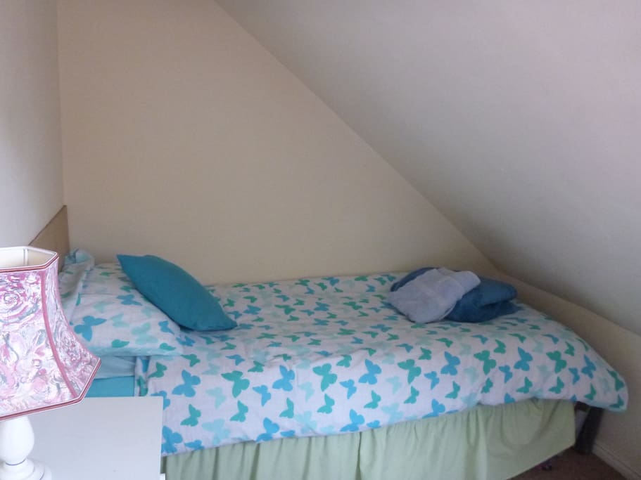 2nd bed in upper room