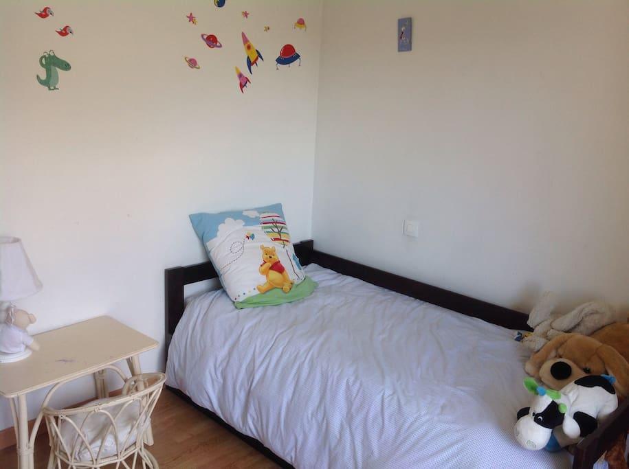 Chambre d'enfant, lit convertible en 2 places