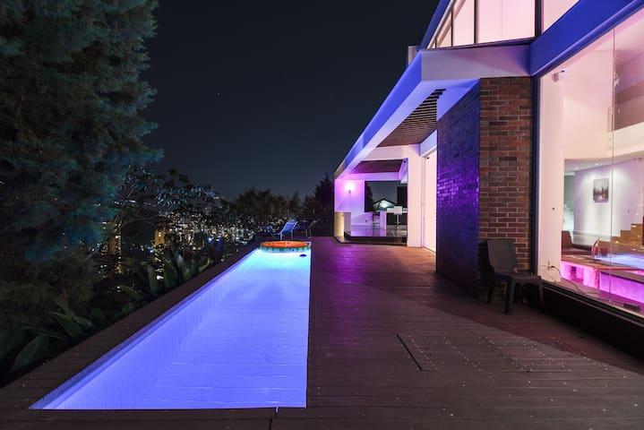 Majestic Villa El Mirador w/ Heated Pool