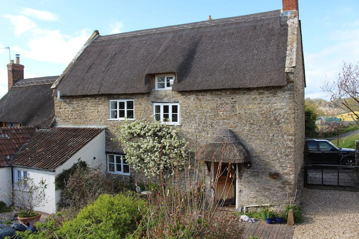 Cosy 3 Bed Cottage, Bridport Dorset
