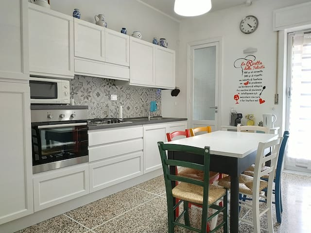HOLIDAY APARTMENT IN CHIAVARI