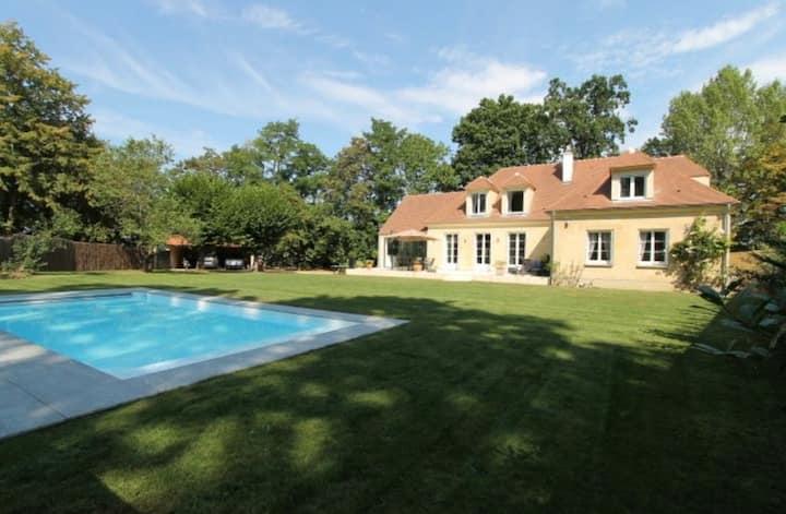 Villa avec piscine proche Versailles