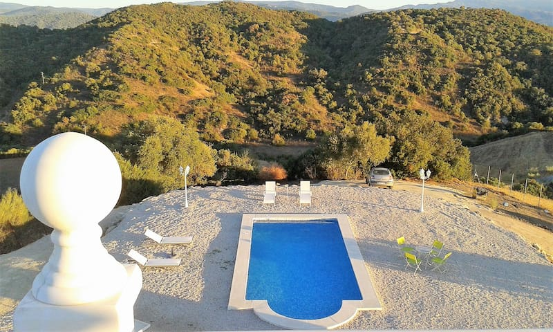 Well-appointed villa w/ pool - Algar - Villa