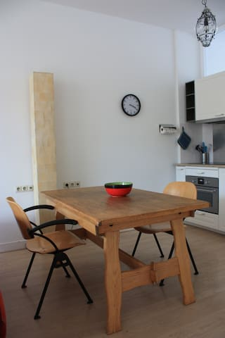 Keukentafel / Kitchen table