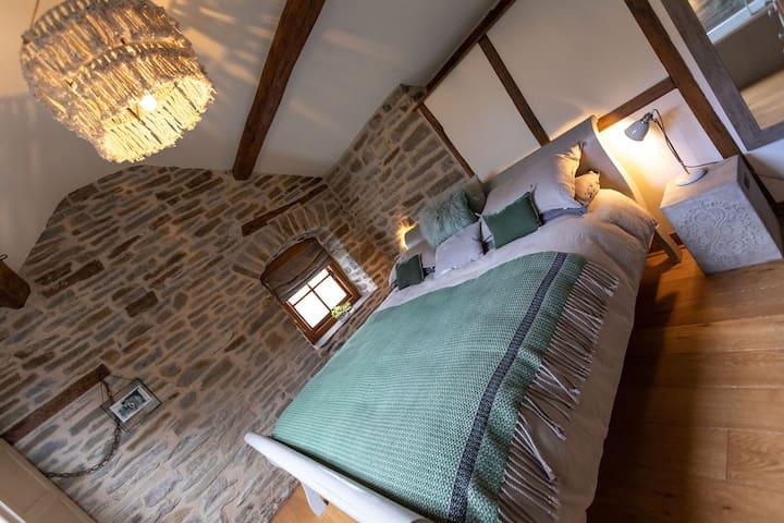 Sumptuous Super-king bed