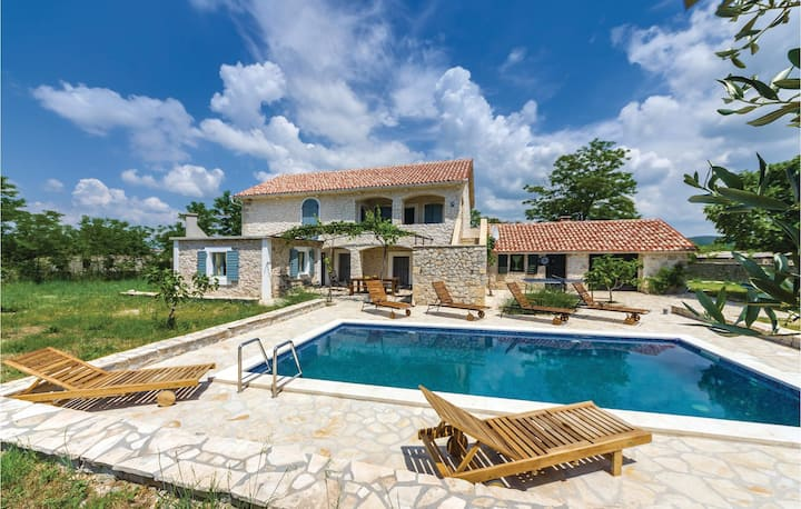 Nice home in Polaca with WiFi and 4 Bedrooms