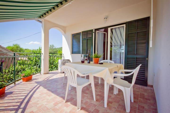 Apartman Vinac - Dazlina - Apartment
