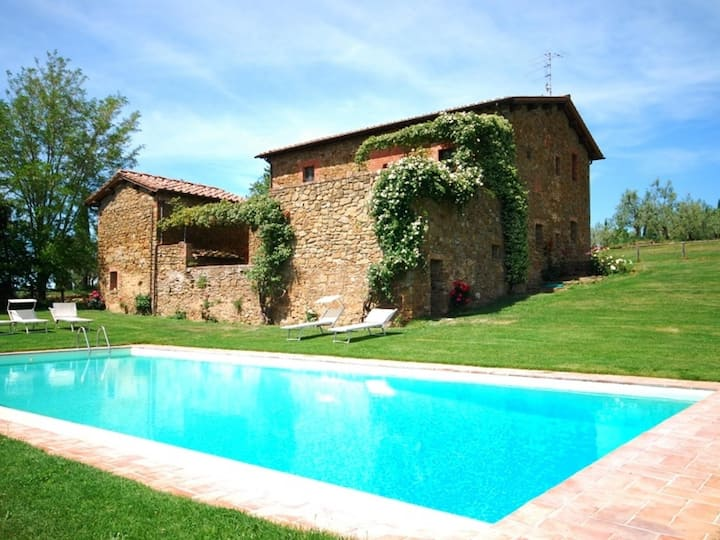 Country House in Castelnuovo Berardenga ID 3472