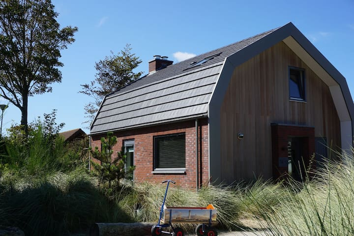 Unique Holiday Home in Egmond aan Zee near Sea