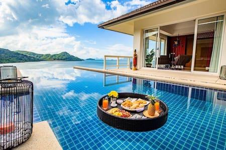 D-Lux breath taking 5 bed sea view villa in Ao Po