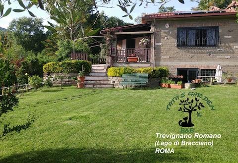Tata's Garden on Lake Bracciano