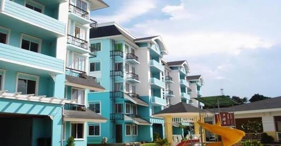 Unit 4136 Floravista Condominium