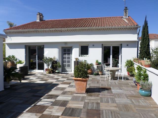 Maison de ville proche centre - Montélimar - Таунхаус