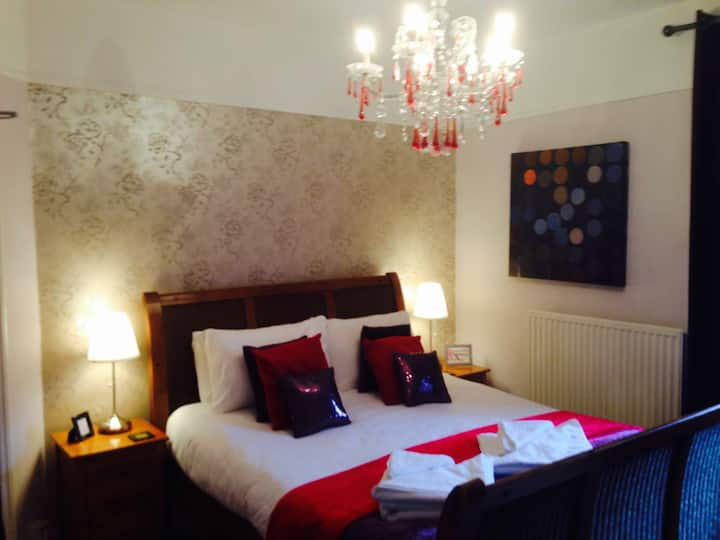 Tyrosa B&B King Room, breakfast £6.95