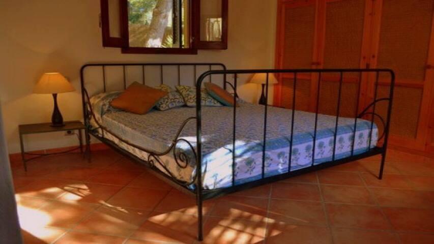 Spacious luxury villa close to San Antonio - Sant Antoni de Portmany - Casa