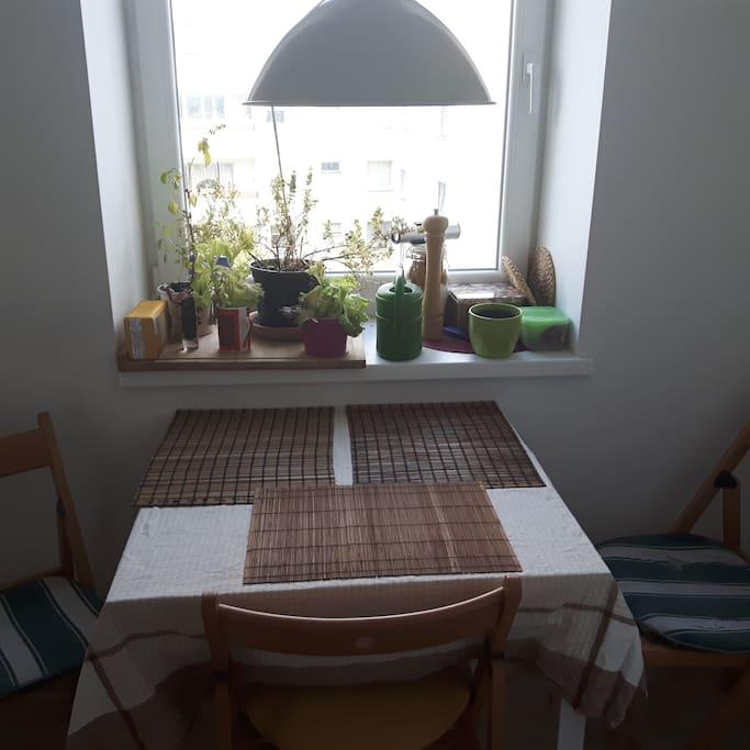 Küchenesstisch