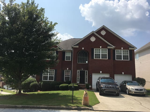 Lithia Springs- Your Home Away From Home 20Min MB
