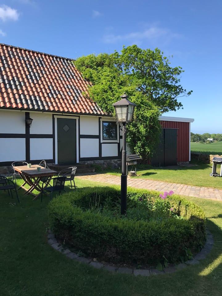 Charmigt hus med fantastiskt läge i Möllehässle