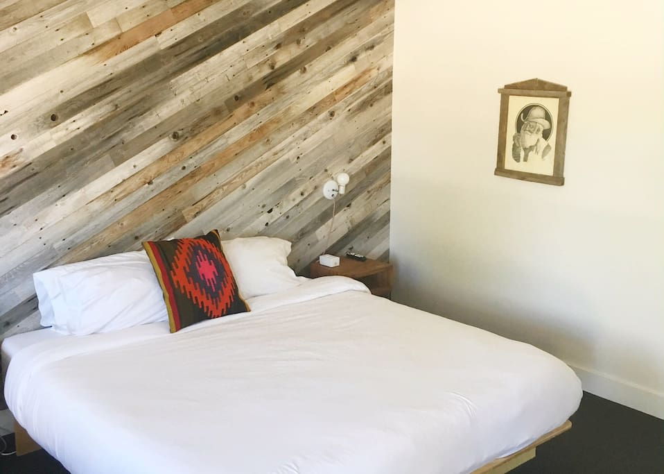 Room 02 at the amigo motor lodge boutique hotels for for Amigo motor lodge salida colorado
