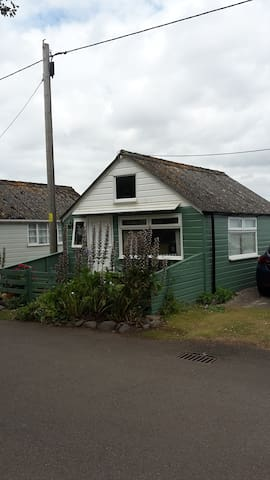 The Vintage Beach Hut - Dunster Beach Chalets