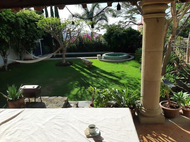 Aleria Cuernavaca - privada, alegre y relajante :)