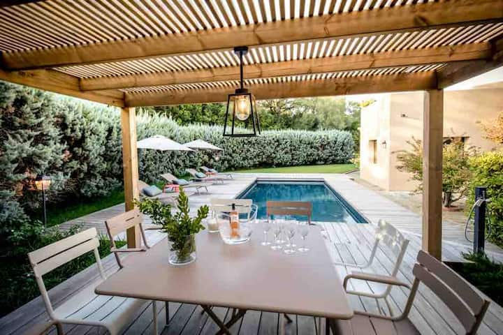 A découvrir: Villa 200m2 vue mer piscine chauffée.