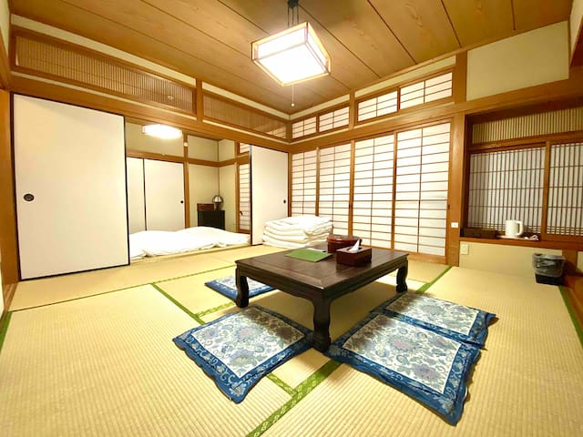 Ryokan Style Private House*5mins walk Canal City!