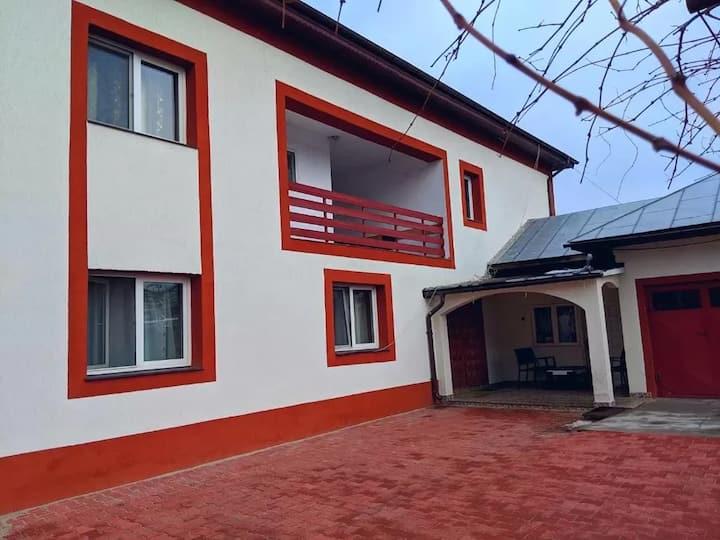 Casa Emerio, cozy double, triple rooms in Videle