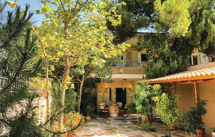 Terraced house with 2 bedrooms on 100m² in Artemida