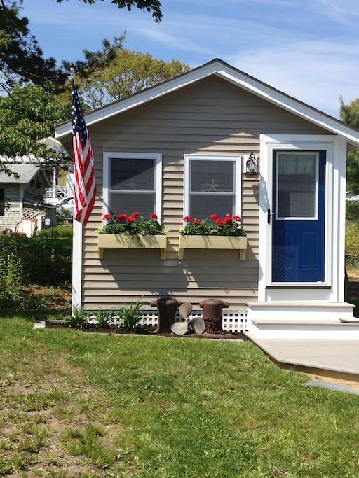 Dory Cottage (guest cottage)