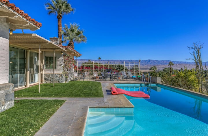 Retro retreat w/ stunning mountain & city views, a private pool, & gas grill!