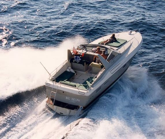 Riva Yacht for your holiday - Naples - Bateau