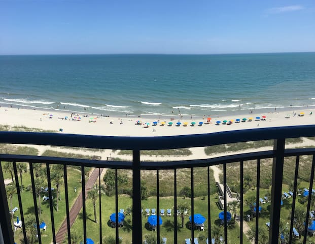 Oceanfront Condo with room for 8 has it All!
