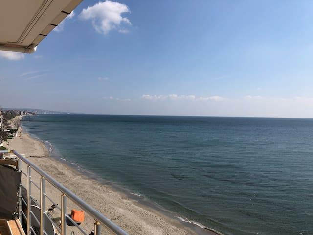 2.5km uzunluğundaki ücretsiz Plaj