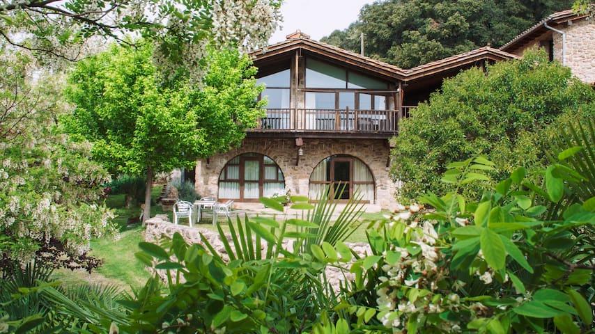 Casa rural a La Vall de Bianya