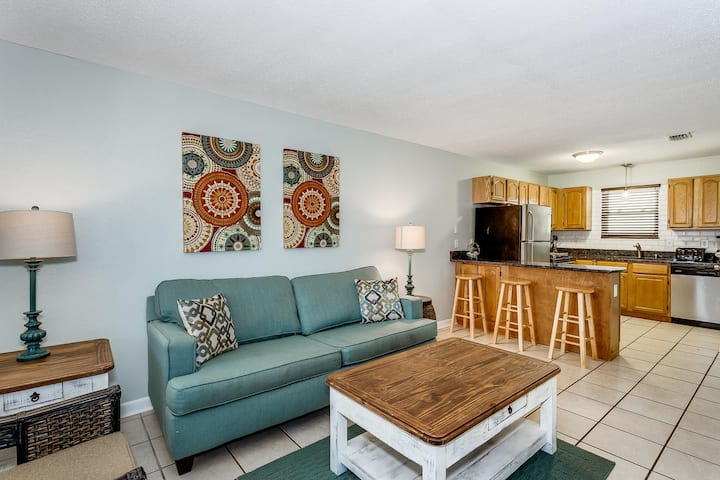 Updated Beachfront 2 Bedroom Condo!