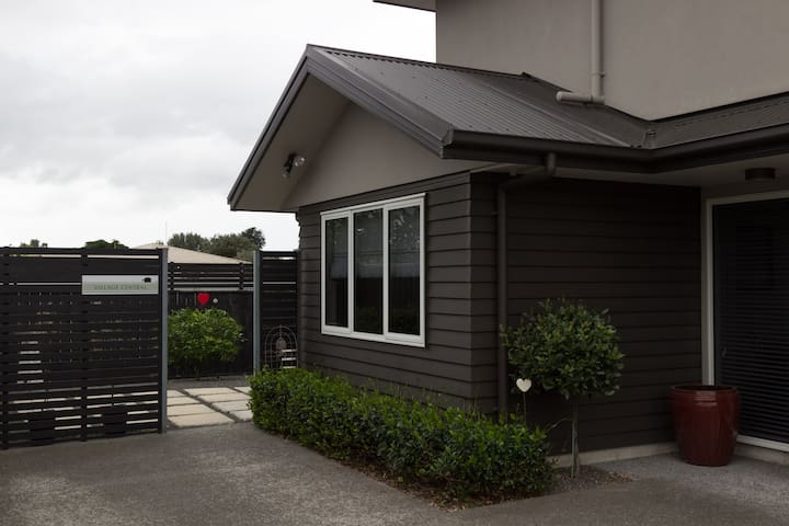 Trendy self contained apartment - Havelock North - Bed & Breakfast