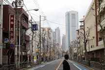 It takes just 20 mins on foot to get to Shinjuku!