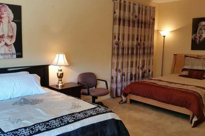 (M)Master Bedroom with 2 Beds & 1 privat Bathroom - Las Vegas - Villa