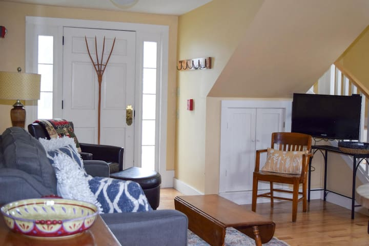 Cheery 2BR Village Townhouse with A/C | Steps to Main Street