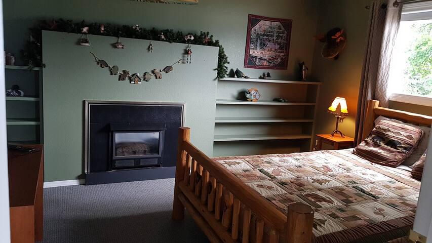 The Cabin Room on Shuswap Lake
