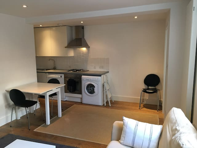 Beautiful one-bedroom flat central Islington