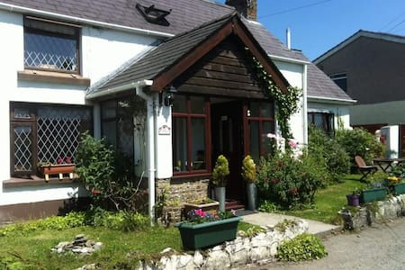 Rose Cottage Bed & Breakfast - Saundersfoot