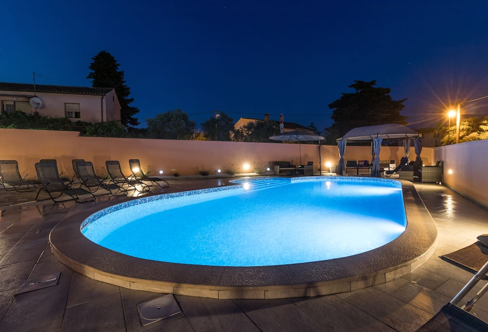 Sharing swimming pool and terrace