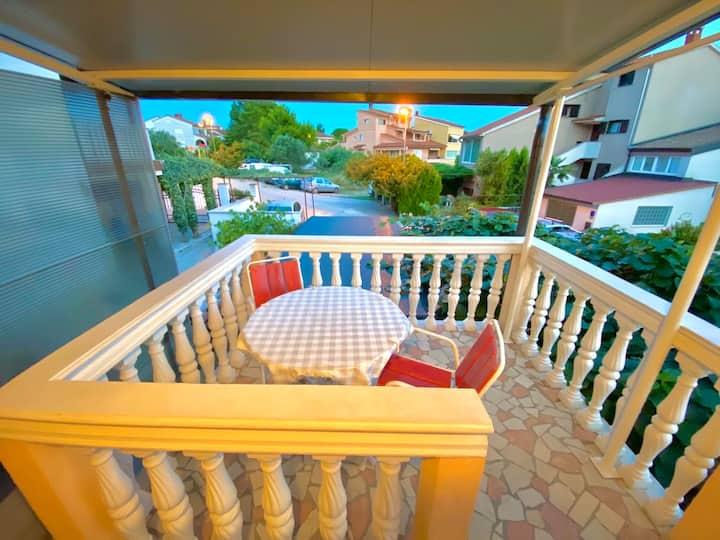 Cosy apartment Luka  near the sea